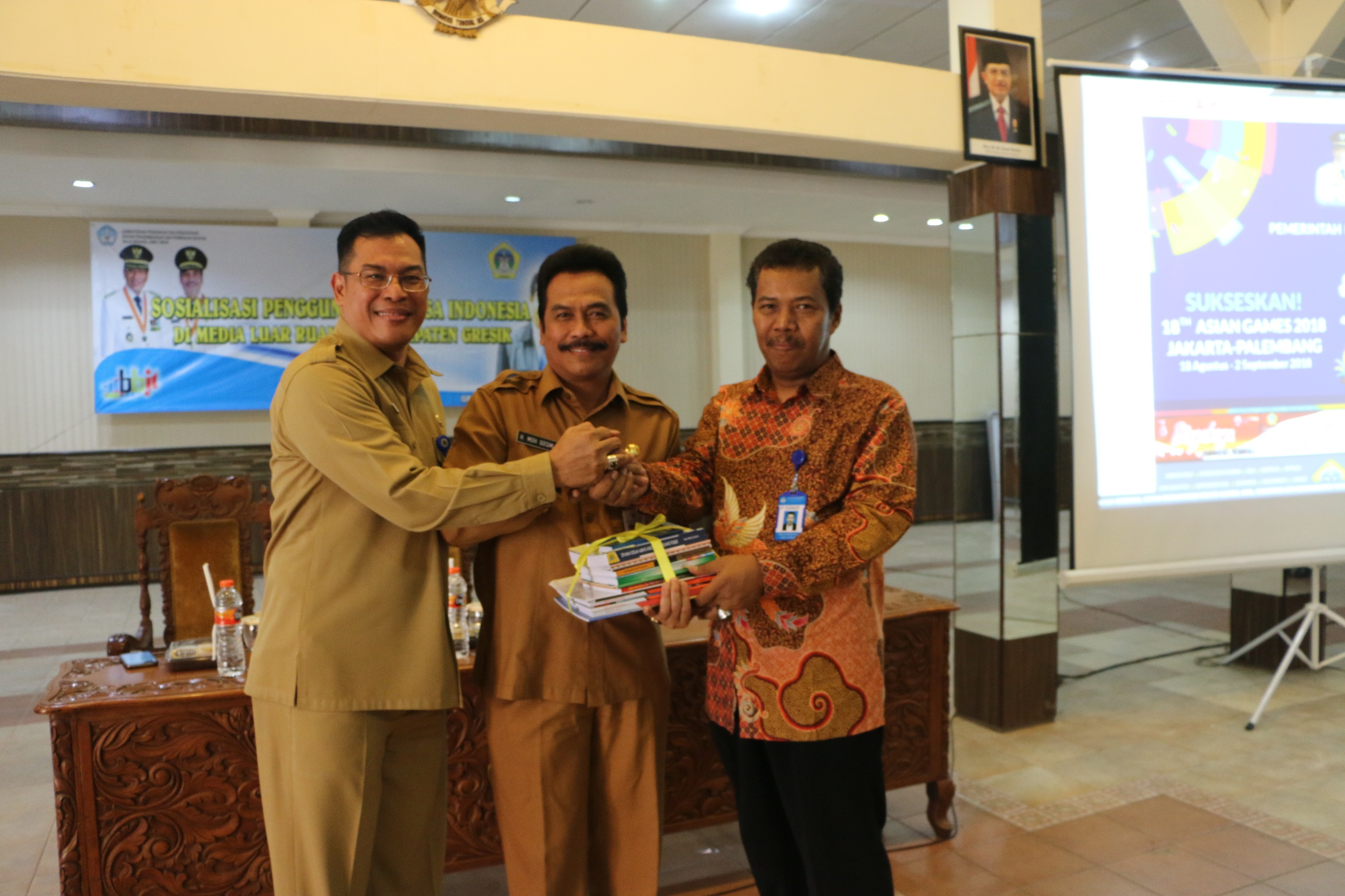 Wabup Qosim: Bahasa Indonesia Menjadi Pemersatu