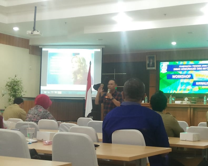 Tingkatkan peran jurnalistik,  Dinas Kominfo Gresik hadiri Workshop Bakohumas di Surabaya